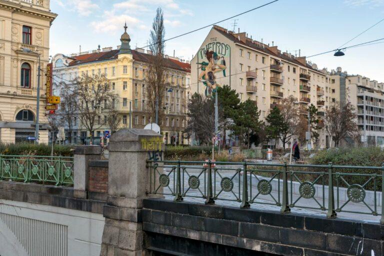 historische Brücke in Wien, Mariahilf, Margareten, autofrei, begrünt