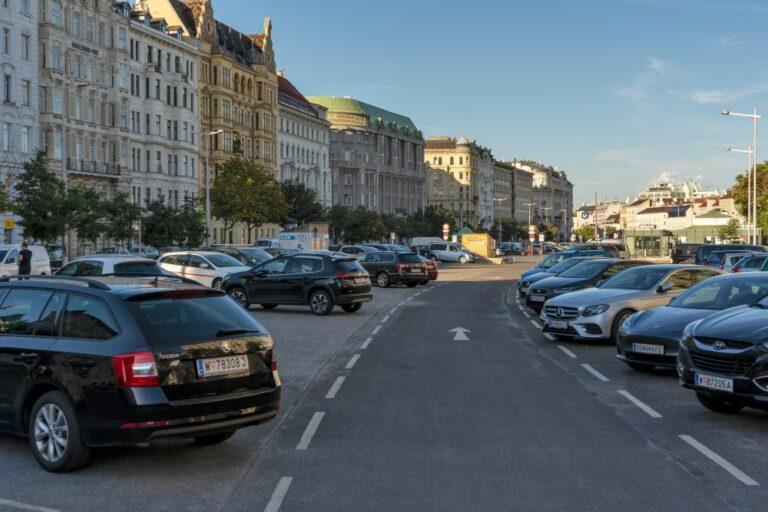 Parkplatz auf der Wienzeile, Wien-Mariahilf