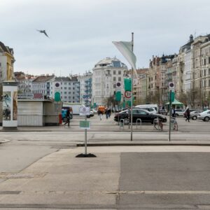 Read more about the article Halle oder Park für den Naschmarkt?