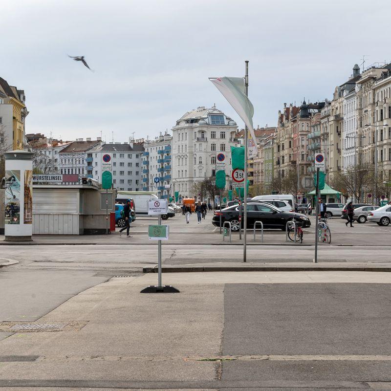 Halle oder Park für den Naschmarkt?