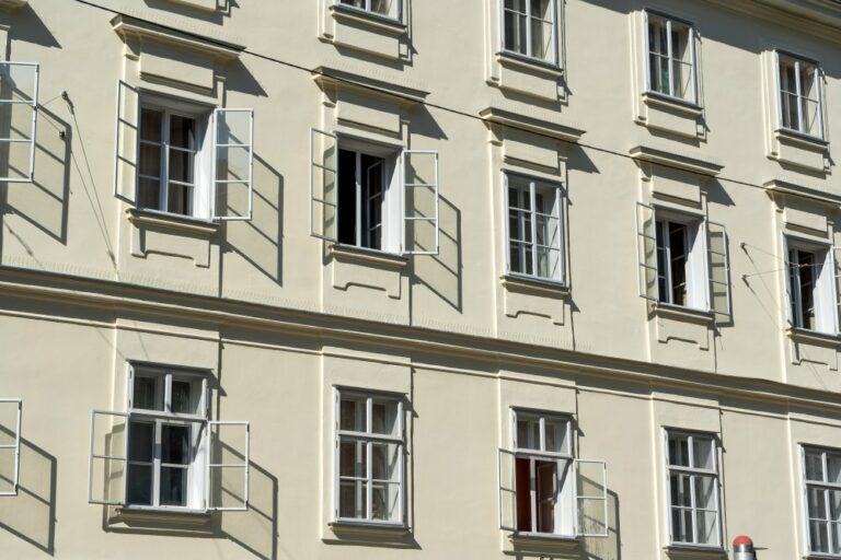 Hausfassade, 18. Jahrhundert, Plattenstil, Wien, Neustiftgasse, Kellermanngasse