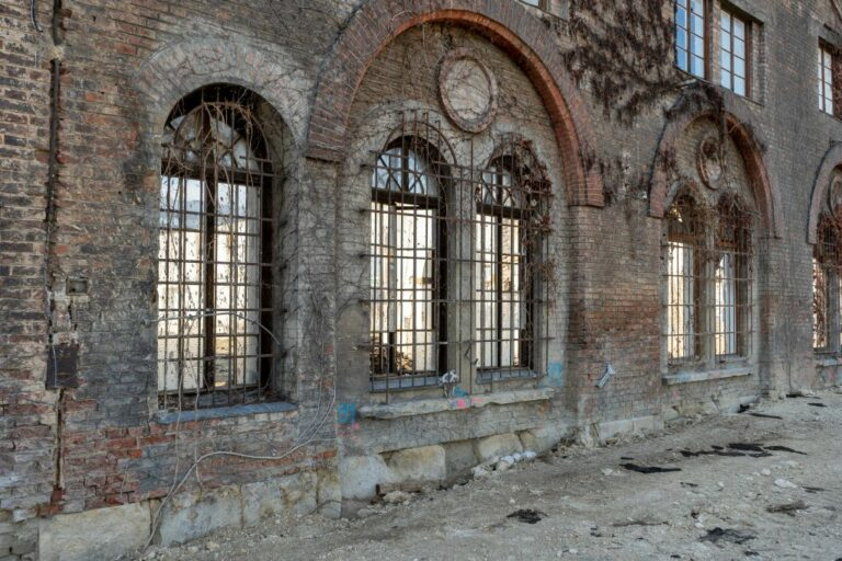 Fassade der Gösserhalle in Wien-Favoriten, Backsteinbau