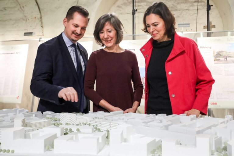 Marcus Franz, Birgit Hebein, Silvia Angelo, Modell, Neues Landgut, Pressefoto