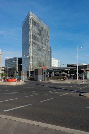 Straßen am Südtiroler Platz beim Wiener Hauptbahnhof