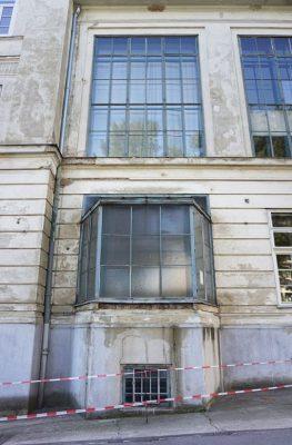 Fenster der ehemaligen Kinderklinik des Wiener AKH, Lazarettgassenweg