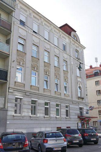 Gründerzeithaus Mendelssohngasse 14 in Kaisermühlen, Wien-Donaustadt (22. Bezirk), Baujahr 1904, mit Trafik