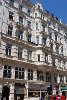 Gründerzeithaus mit Fassadendekor, Teinfaltstrasse 4, Wien, Innere Stadt (1. Bezirk), Architekt: Emil von Förster