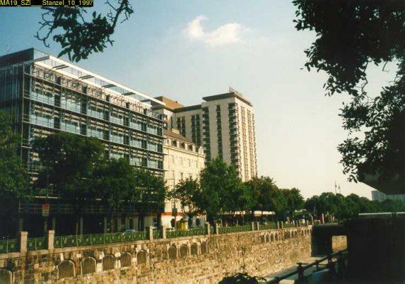 Vordere Zollamtsstraße und Hilton-Hotel in Wien Mitte, 1997