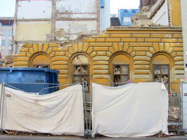 abgerissenes Gründerzeithaus Webergasse 13, Wien-Brigittenau, Rustikafassade
