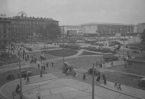 Blick von erhöhtem Standort gegen den neuen Westbahnhof.